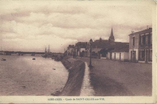 Quais de St-Gilles-sur-Vie.