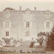 Bouillé-Courdault, le parc du château.