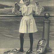 St-Gilles-Croix-de-Vie, une marchande de poissons.