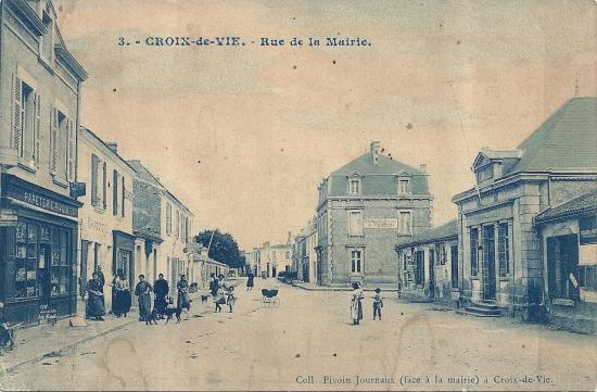 Croix-de-Vie, rue de la Mairie.