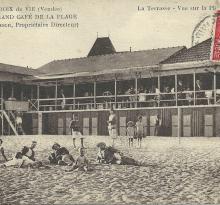 Croix-de-Vie, le grand café de la plage.