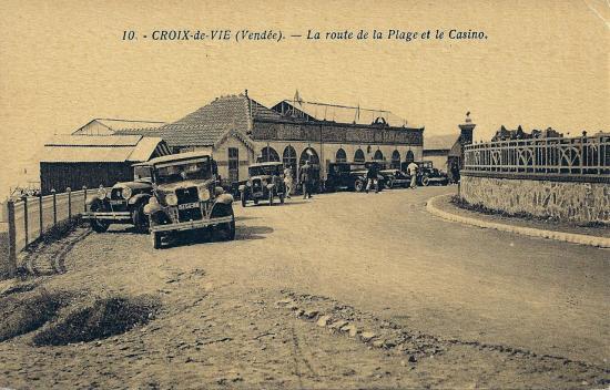Croix-de-Vie, la route de la plage et le casino.