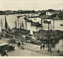 Saint-Gilles-sur-Vie, le quai et le port.