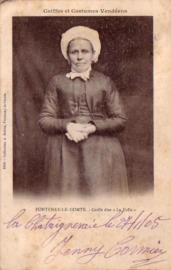 Fontenay-le-Comte, coiffe dite La Folle.
