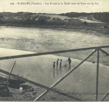St-Gilles-sur-Vie, les dunes et la forêt vue du pont.
