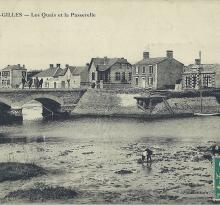 St-Gilles-sur-Vie, les quais et la passerelle.
