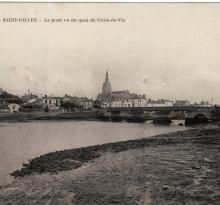 St-Gilles-sur-Vie, le pont, vu des quais.