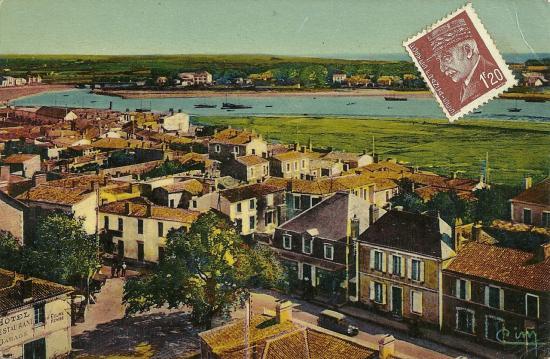 Croix-de-Vie, panorama et chalets sur la rivière.