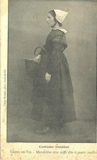 Croix-de-Vie, costume vendéen.