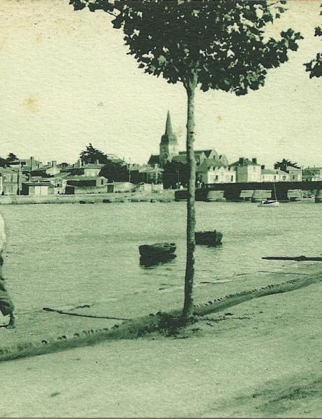 Croix-de-Vie, rues, commerces, église.