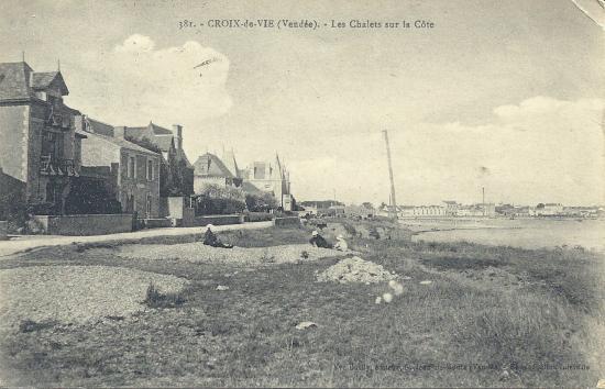 Croix-de-Vie, les chalets sur la côte.