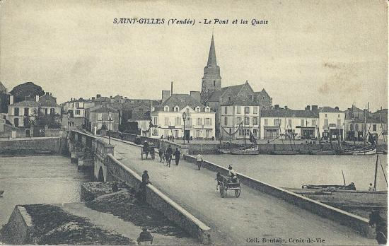 St-Gilles-sur-Vie, le pont et les quais.