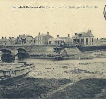 St-Gilles-sur-Vie, les quais près de la passerelle.
