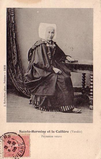 Ste-Hermine et La caillère, paysanne veuve.