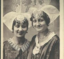 Croix-de-Vie, costume vendéen, étude de coiffes.