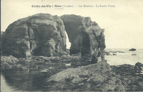 Croix-de-Vie, les rochers la roche percée.