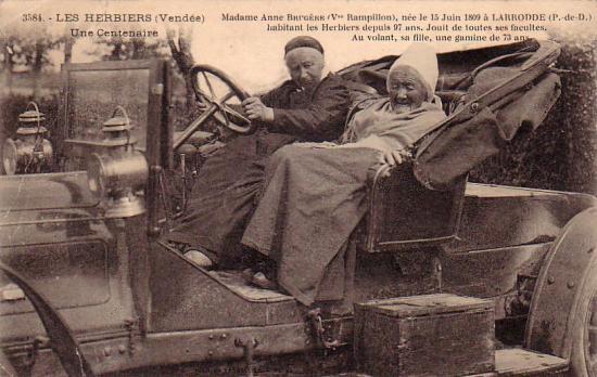 Les Herbiers, une centenaire Mme Anne Brugère (Vve Rampillon).