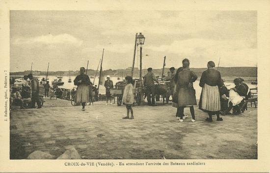Croix-de-Vie, en attendant l'arrivéée des bateaux.