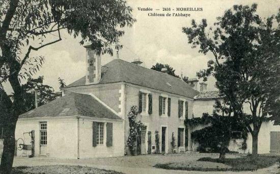 Moreilles, château de l'abbaye.