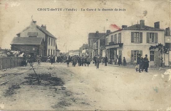 Croix-de-Vie, la gare à la descente du train.