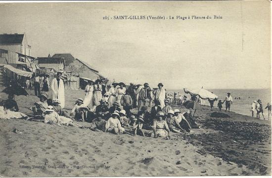 St-Gilles-sur-Vie, la plage à l'heure du bain.