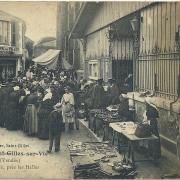 St-Gilles-sur-Vie, le marché près des halles.