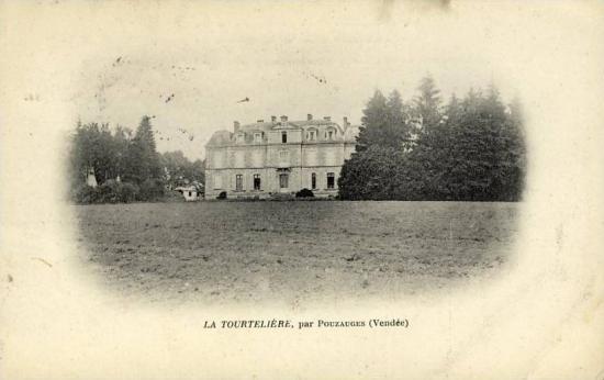 Pouzauges, château La tourtelière.