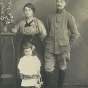 Berthe Linyer et Aimé, leur fille andrée.