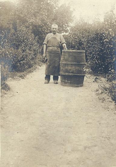 St-Gilles-sur-Vie, le vigneron.