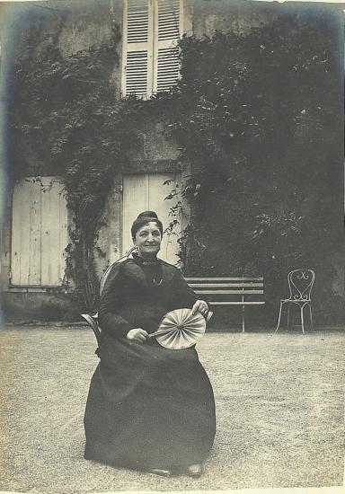 Mme Vve Caillard née Hunault de la Peltrie à Sèvres.