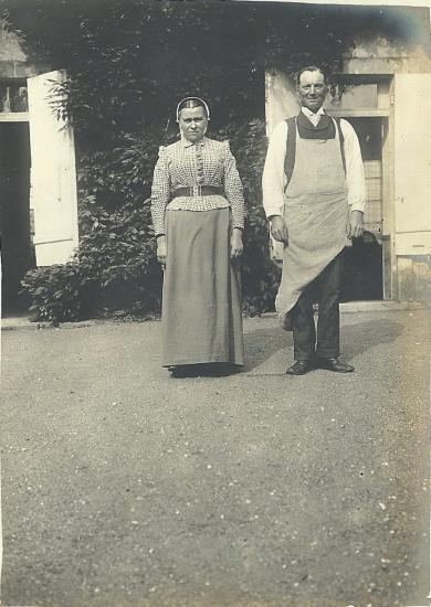 Personnel de la maison de Sèvres.