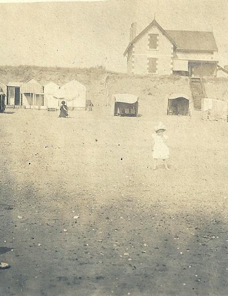 Voyage d'une famille à St-Gilles en 1900.