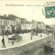 St-Gilles-sur-Vie, marché aux volailles sur les quais.