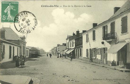 Croix-de-Vie, rue d ela Mairie à la gare.