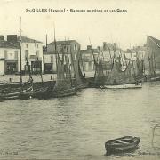 Saint-Gilels-sur-Vie, barques de pêche, les quais, le moulin.
