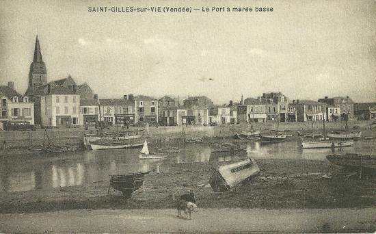 St-Gilles-sur-Vie, le port à marée basse.