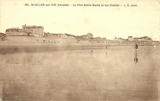 St-Gille-sur-Vie, la plage et la villa Notre-Dame.