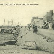 Saint-Gilles-sur-Vie, les quais à marée basse.