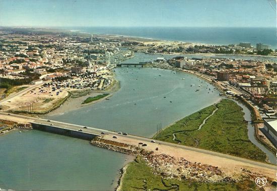 Saint-Gilles-Croix-de-Vie, vue d'ensemble sur la rivière.