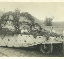 Saint-Gilles-sur-Vie, fête des fleurs, char de la Reine.