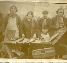Croix-de-Vie, vendeuses de poissons.