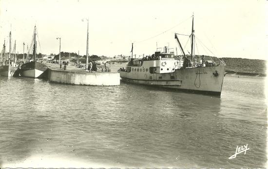 Croix-de-Vie, l'Insula Oya au port