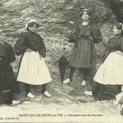 St-Gilles-Croix-de-Vie, causette dans les rochers.