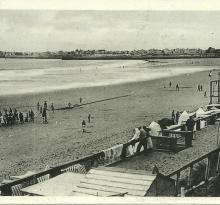 Saint-Gilles-sur-Vie, la plage à marée basse.