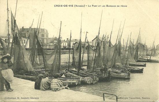 Croix-de-Vie, le port et les barques de pêche.
