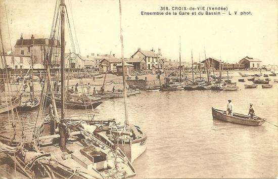 Croix-de-Vie, ensemble de la gare et du bassin.