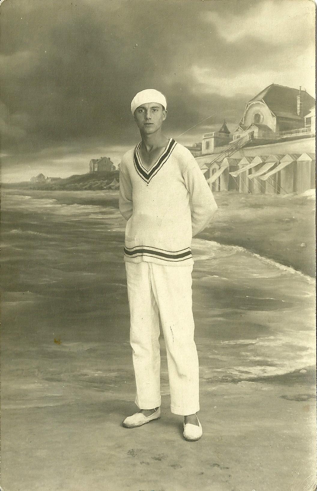 Saint-Gilles-sur-Vie, un tennisman en studio.