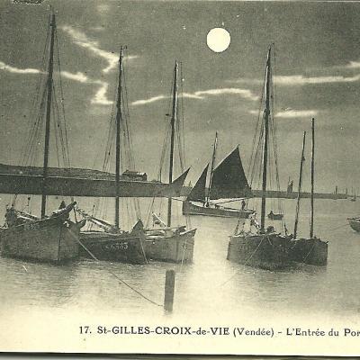 Le port de Croix-de-Vie et toute son activité.