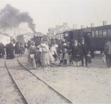 Gare de Croix-de-Vie, arrivée du train des Sables.